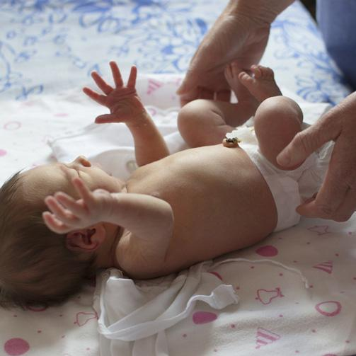 Caring for the Umbilical Cord - JOHNSON'S® BABY
