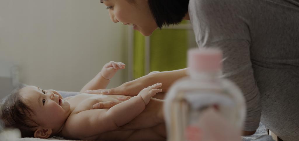 Массаж благотворно сказывается на здоровье малыша